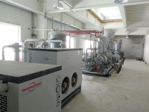 PET water-cooled oil-free air compressor station